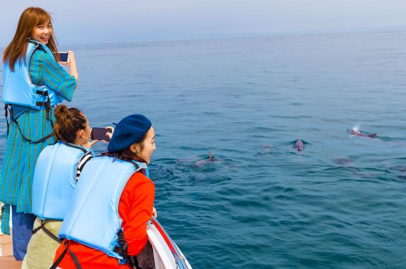 スマホやカメラを海に落とさぬようお気をつけください